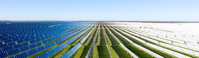 largest solar farm in Australia